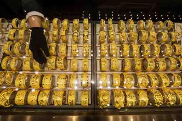 Vàng non có phải là vàng tây không?