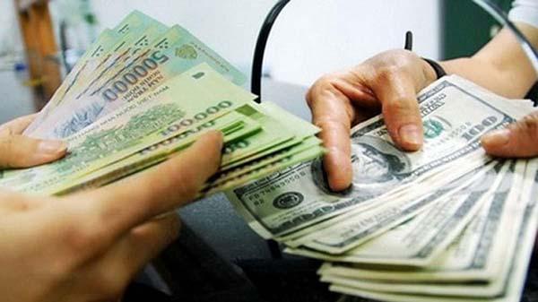 Có thể đổi tiền Đô tại các tiệm vàng được cấp phép